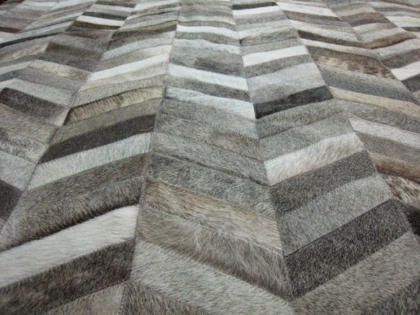 Tapis-salon-gris-chevrons-1